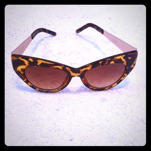Vtg Cat Eye Sunglasses
